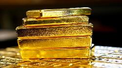 PRECIOUS-Gold slides more than 1% to 3-week low as U.S. yields climb