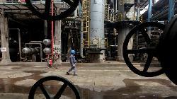Oil gains push rouble past Ukraine tensions; stocks rise