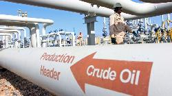 UPDATE 8-Oil extends losses as Texas prepares to ramp up output after freeze