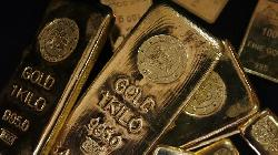 PRECIOUS-Gold slides to more than 7-month low as strong yields sap appeal