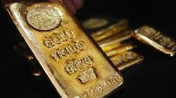 PRECIOUS-Gold steady as China virus fears offset stronger dollar