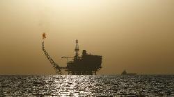 UPDATE 8-Oil steady as pandemic lockdown worries offset vaccine hopes
