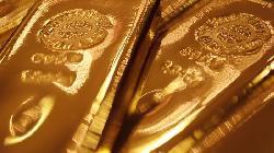 PRECIOUS-Gold dips as AstraZeneca adds to vaccine optimism