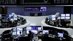 UPDATE 2-European stocks bounce back from tech rout on strong data, commodities