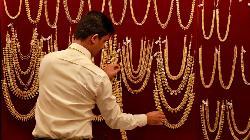Asia Gold-India prices swing to premium ahead of Diwali festival