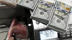 FOREX-Dollar on backfoot ahead of U.S. jobs data