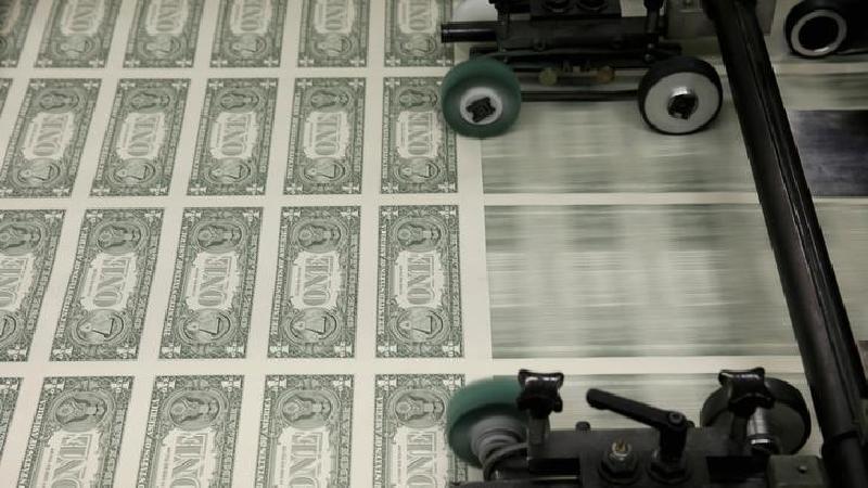 Forex - Dollar Edges Higher as Virus Cases Grow - Investing.com India