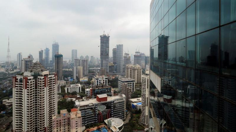 Several feared trapped after building collapses in Mumbai - Investing.com India