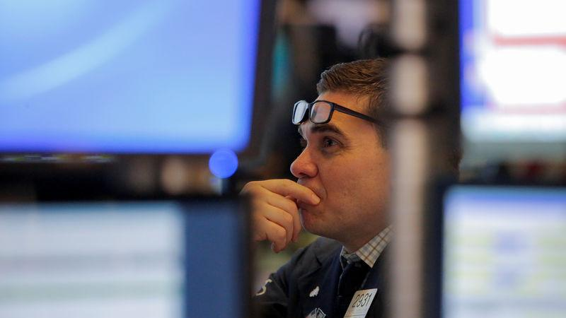 Stocks - Wall Street Plunges as Trumps Tells US Companies to Leave Chi