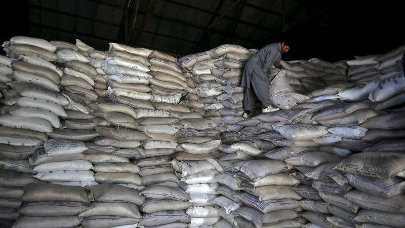 SOFTS-Raw sugar hits 7-1/2 month high, cocoa also climbs - Investing.com India
