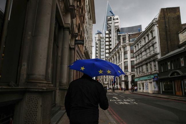 BOE se une a debate sobre normas financieras en medio del choque de brexit entre el Reino Unido y la UE Por Bloomberg 1