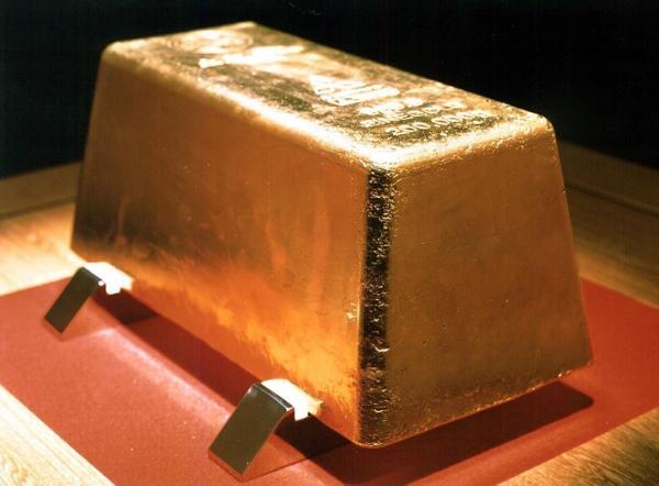 Oro: sale a 1.345,50 dollari