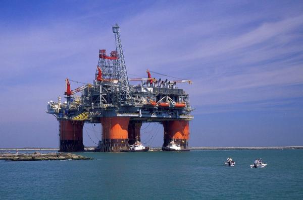 Petrolio: prezzo sale a 60,53 dollari
