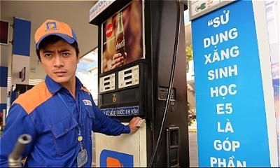 Giá xăng ngày mai có thể tiếp tục giảm sâu