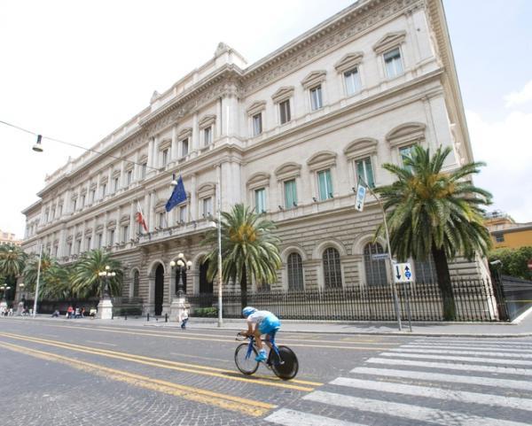 © Ansa. Bankitalia: record debito a 2.302,3 mld
