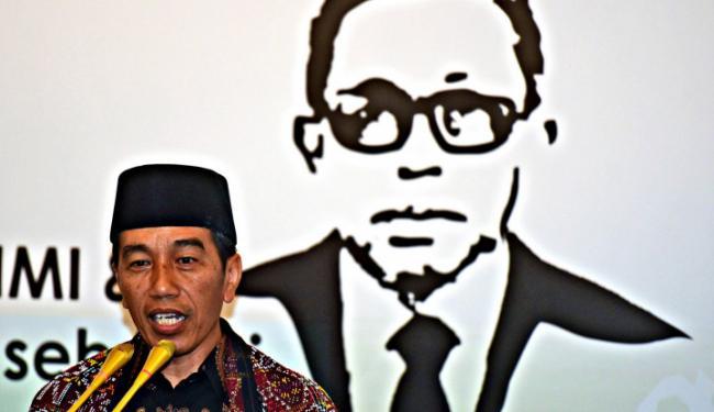 © Warta Ekonomi. Jokowi Dibikin Pusing oleh 2 Hal ini...
