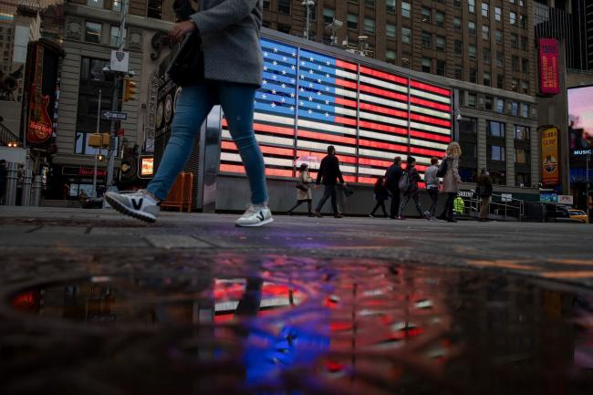 S&P 500 Futures Fall on U.S. Virus Case Without Outbreak Ties thumbnail