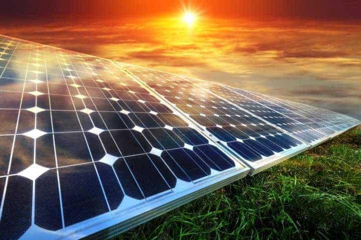 Erneuerbare Energien: 2 Top-Aktien, die man auf dem Zettel haben sollte