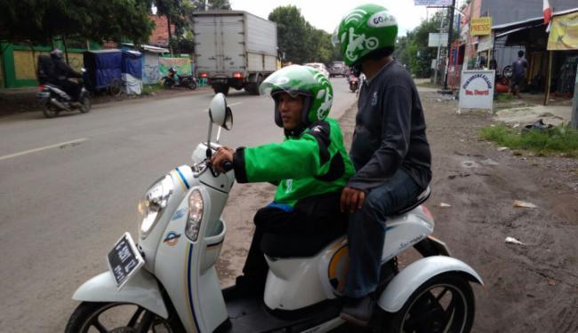 © Warta Ekonomi. Dishub Minta Angkutan Online Punya