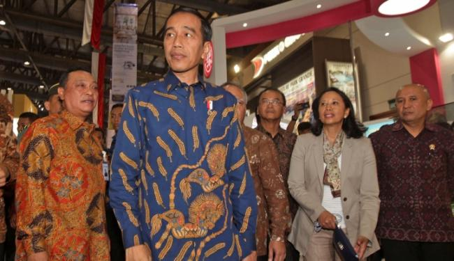 © Warta Ekonomi. 2018, Jokowi Janji Tingkatkan Kapasitas Bandara Jember