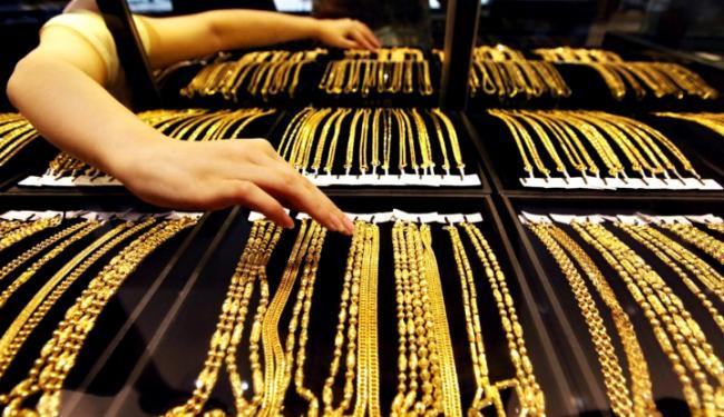 © Warta Ekonomi. Harga Emas Berbalik Naik Karena....