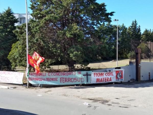 Ferrosud Matera: protesta ad oltranza