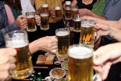 Giật mình người Việt chi 100 nghìn tỉ đồng để uống bia mỗi năm