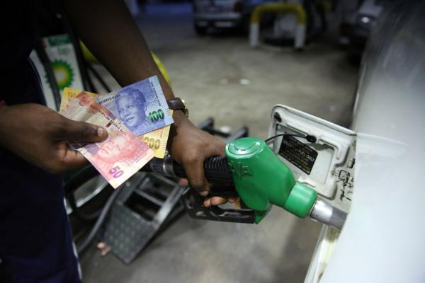 Government mulls capping price of petrol