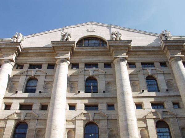 © Ansa. Borsa: Milano chiude in calo del 2,32%