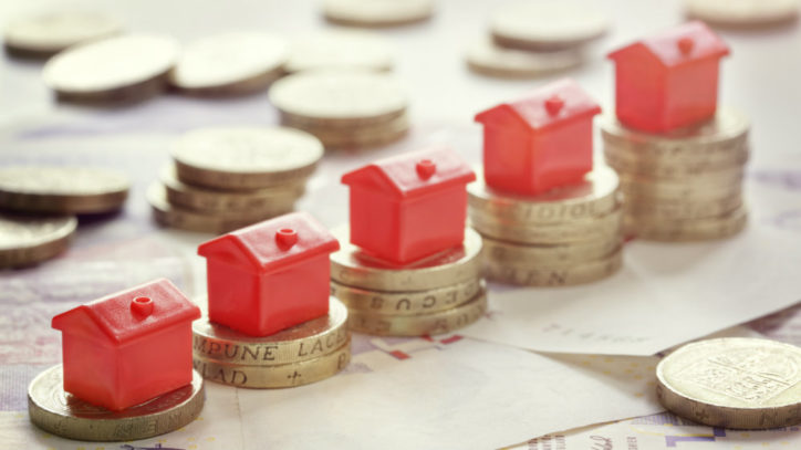Here's a buy-to-let investor who says the FTSE 100 is a much better bet