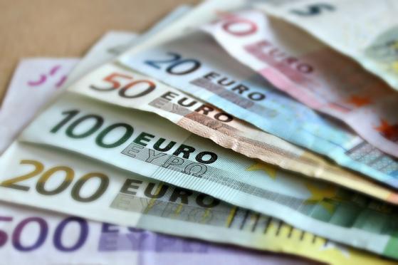 Peso se fortalece 0.95% a 18.84 por decisión monetaria turca