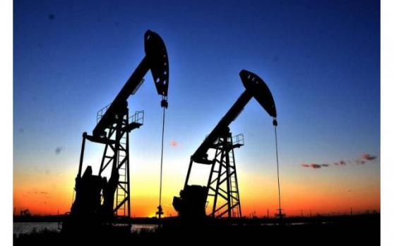 原油产量历史新高需求平平,油价或不宜过分看涨