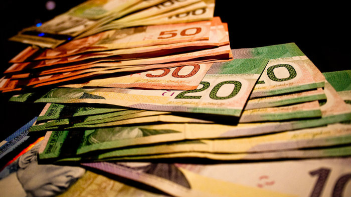 Yield Hogs: These Are Canada's 5 Biggest Dividends