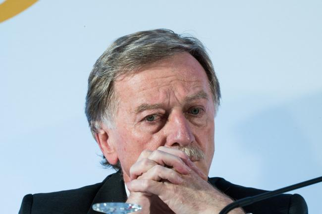 ECB's Mersch Warns Loose Policy Raises Risk of Market Drop By Bloomber