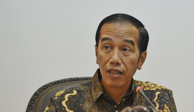 © Warta Ekonomi. Jokowi Ingin Koperasi Perluas Bisnis ke Ranah Online