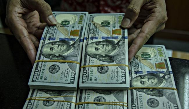 © Warta Ekonomi. Dolar AS Turun Tipis, Dampak Investor Tunggu Hasil Pertemuan Fed