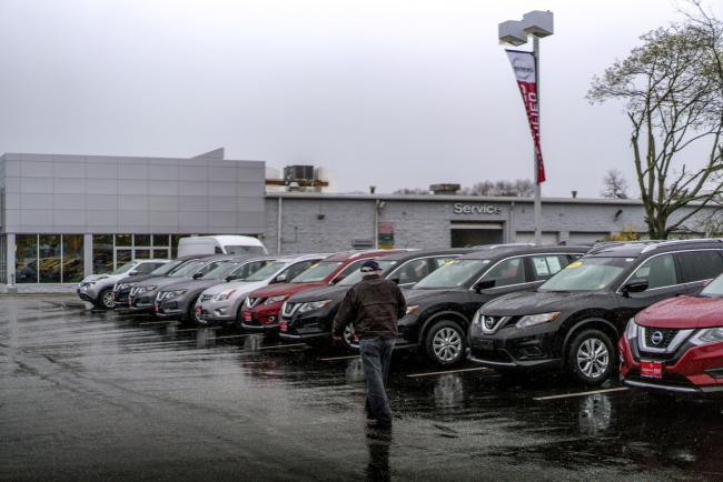 Nissan 39 s shock sales plunge jolts u s market equilibrium for Nissan motors customer service