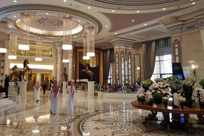Saudi Arabia Said to Tap Kingdom's Richest to Anchor Aramco