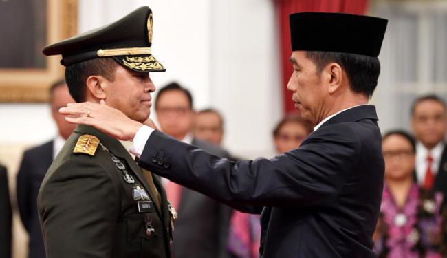 © Warta Ekonomi. Banyak Perwira TNI Non-Job, Bukan Jadi Alasan Kembali ke Era Orba