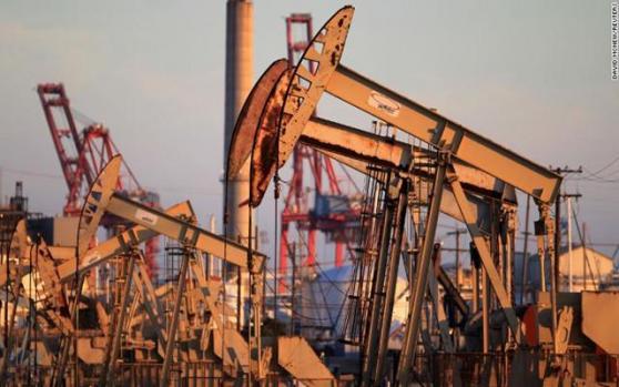 国际油价重挫逾6%;尽管美国大幅扩充战略储备,且FED紧急降息;但俄罗斯沙特继续硬怼