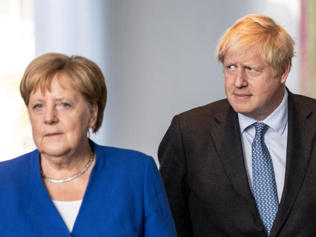 Johnson Tells Merkel Deal 'Essentially Impossible': Brexit Update