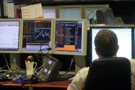 GLOBAL MARKETS-Stocks tumble, yen rallies as U.S. and China escalate trade war