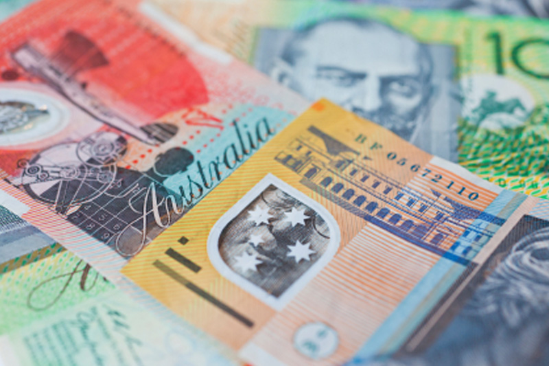 Aussie gains after RBA minutes