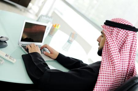 مؤشرات الأسهم في الامارات العربية المتحدة ارتفعت عند نهاية جلسة اليوم؛ مؤشر سوق دبي صعد نحو 0.27%