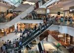 Ibovespa sobe 2,36% puxado por setor de shoppings; BRML3 +7,29%