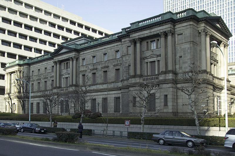 日本 マネタリーベース 予測 35.2% 対 32.5%