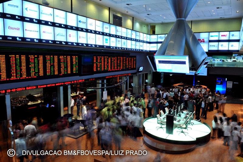 17d5a4e7aaa9 Brasil - Ações fecharam o pregão em alta e o Índice Bovespa avançou 0,83
