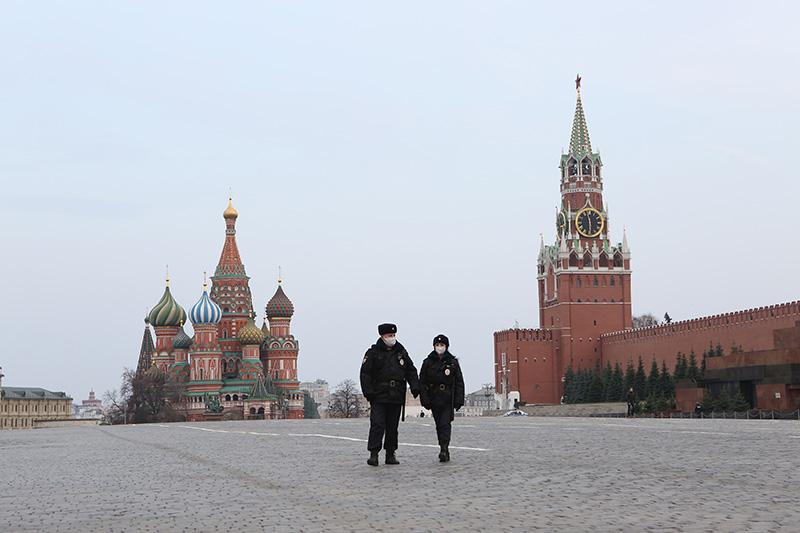 VIRUS-TICKER-Umfrage - Mehrheit hält Ausgangssperre-Pläne für richtig