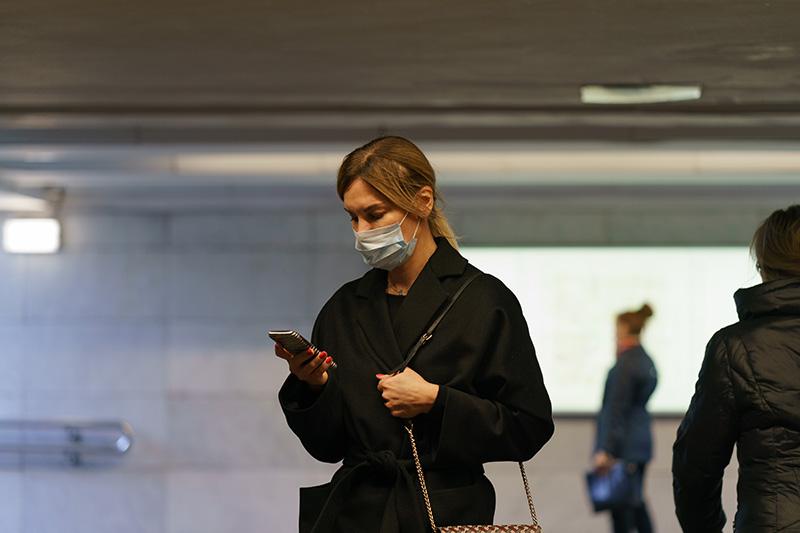 Türkiye'de koronavirüs vaka sayıları hafta sonunda 40.000'in üzerindeki zirvelerde seyretmeye devam etti, günlük ölümler 180'i aştı