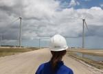 Eletrobras lidera Ibovespa após vender distribuidora de energia do Amazonas